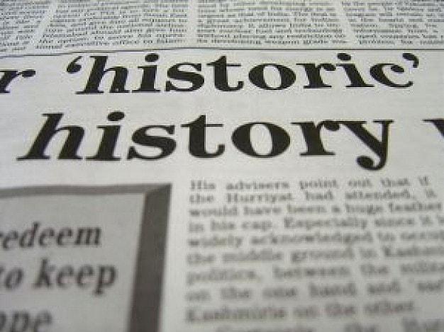 gazeta z artykułem dotyczącym historii