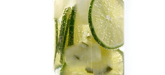 woda w szklance filtracja